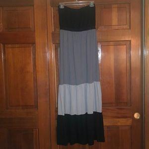 🌼2/$14 Strapless Empire Waist Maxi Dress